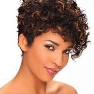 Corte de cabelo crespo curto