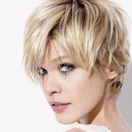 Corte de cabelo curto desfiado