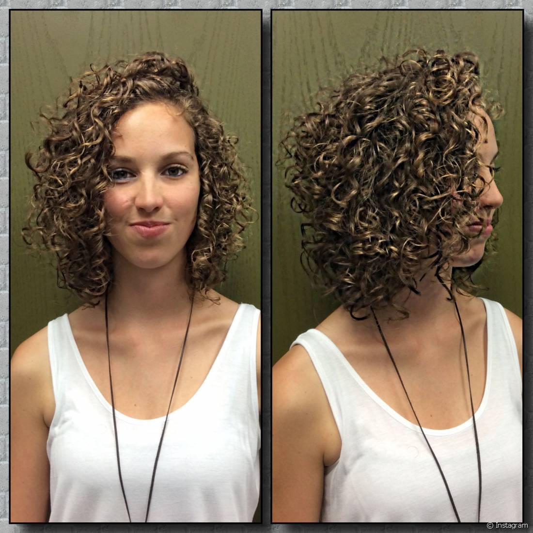 corte de cabelo enrolado