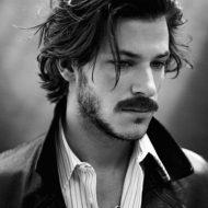 Corte de cabelo masculino longo