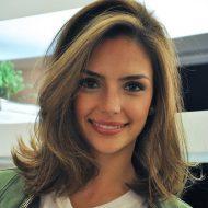 Corte de cabelo medio liso