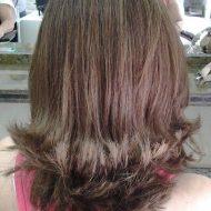 Corte de cabelo medio repicado nas pontas