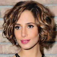 Corte de cabelo ondulado curto
