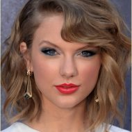 Taylor swift cabelo curto